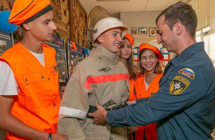 В «Орлёнке» открылся XII Всероссийский полевой лагерь «Юный пожарный»