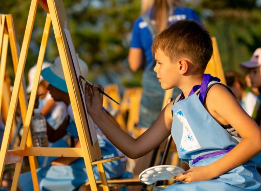 Юные художники посетят уникальные art-сессии в «Орлёнке»