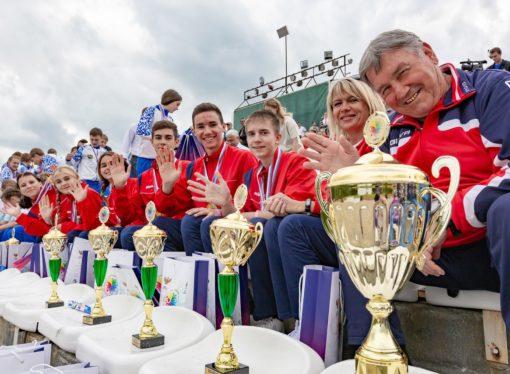 Команды школьников Воронежской и Томской областей взяли Кубок Президентских состязаний